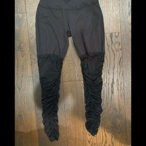 Beyond Yoga leggings with rouching